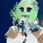 """Girl Group Member Captivates With Her Clear And Bright Vocals On """"The King Of Mask Singer"""""""