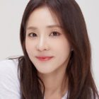 Sandara Park Donates 30,000 Masks To Sick Children