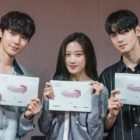 """Cha Eun Woo, Moon Ga Young, And Hwang In Yeop's Upcoming Drama """"True Beauty"""" Holds First Script Reading"""