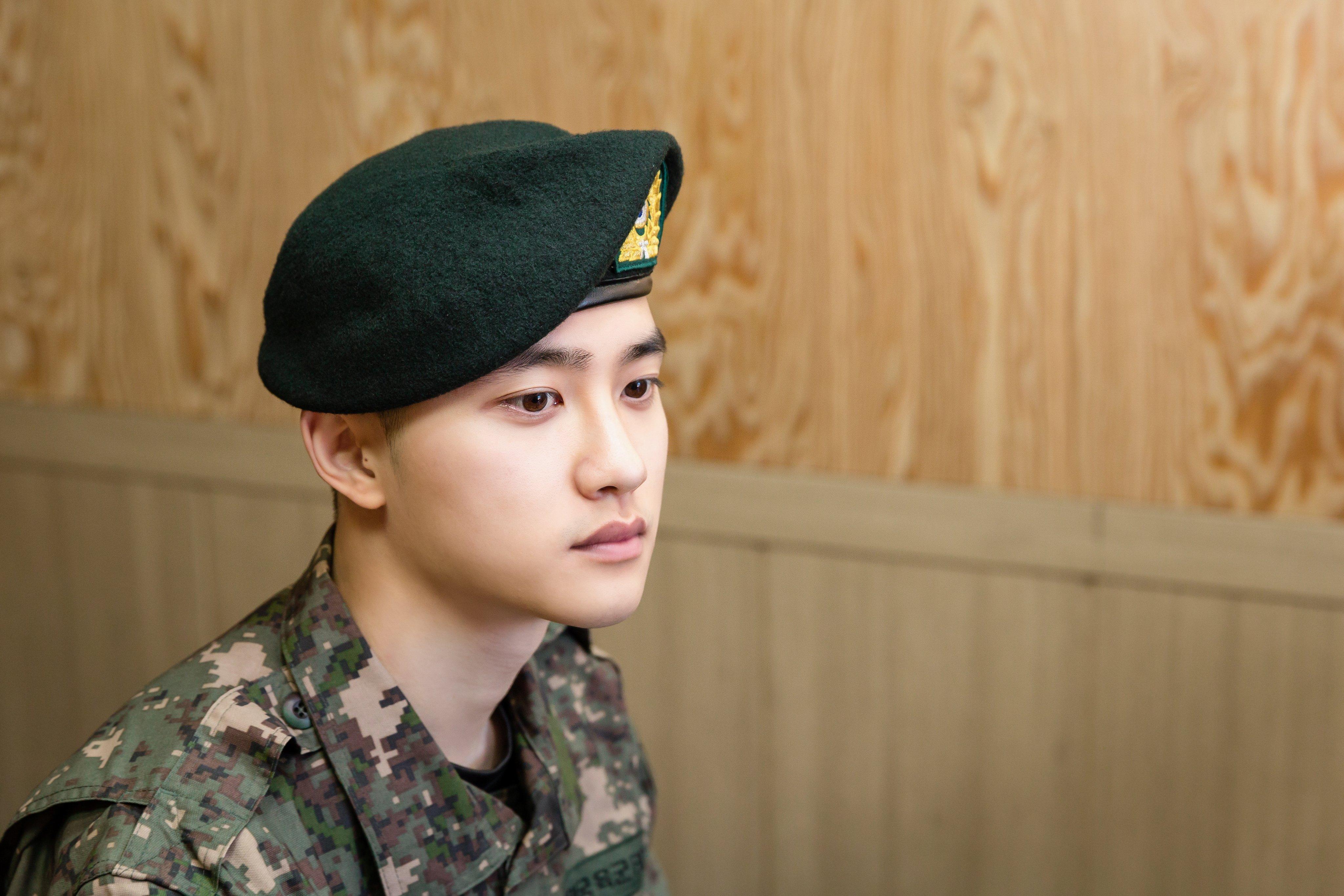 exo do 3 - Militer Ungkap Foto Baru D.O. EXO Dan Yook Sungjae BTOB