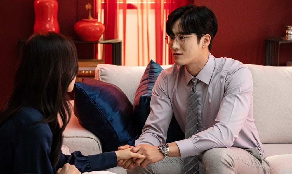 """Kairos"": Ahn Bo Hyun is desperate to keep Nam Gyu Ri by his side"