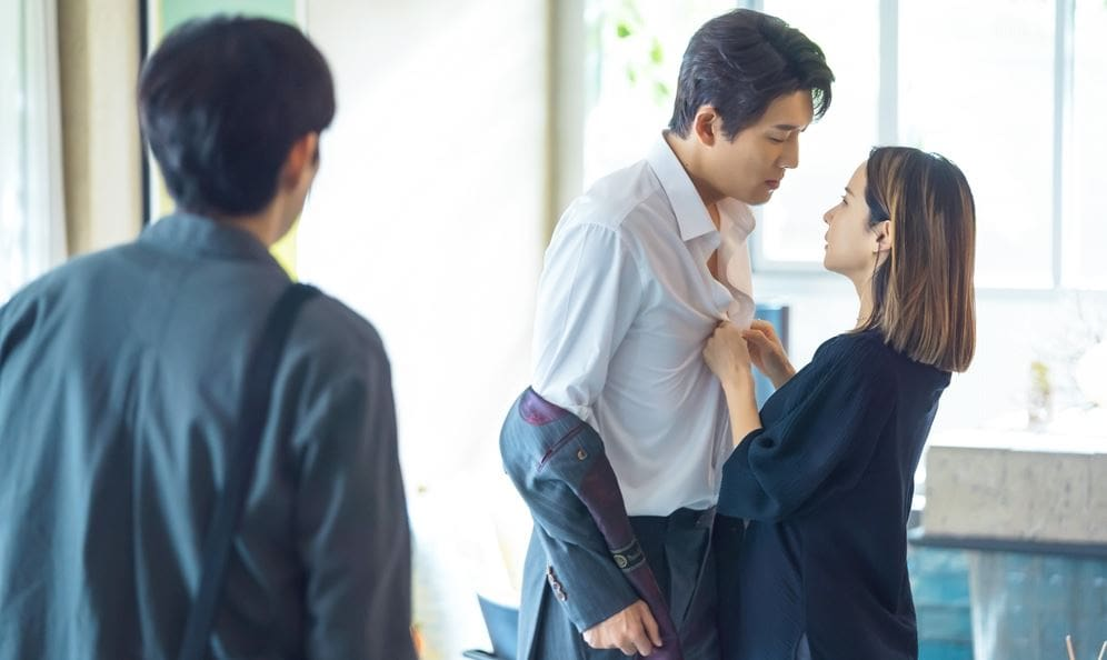 """""""Cheat On Me If You Can"""": Kim Young Dae experiences passionate moment"""