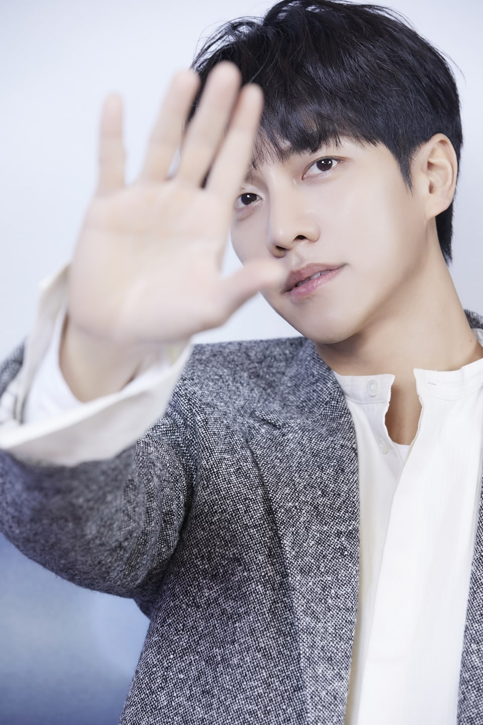 Lee Seung Gi talked about a return with his seventh studio album!
