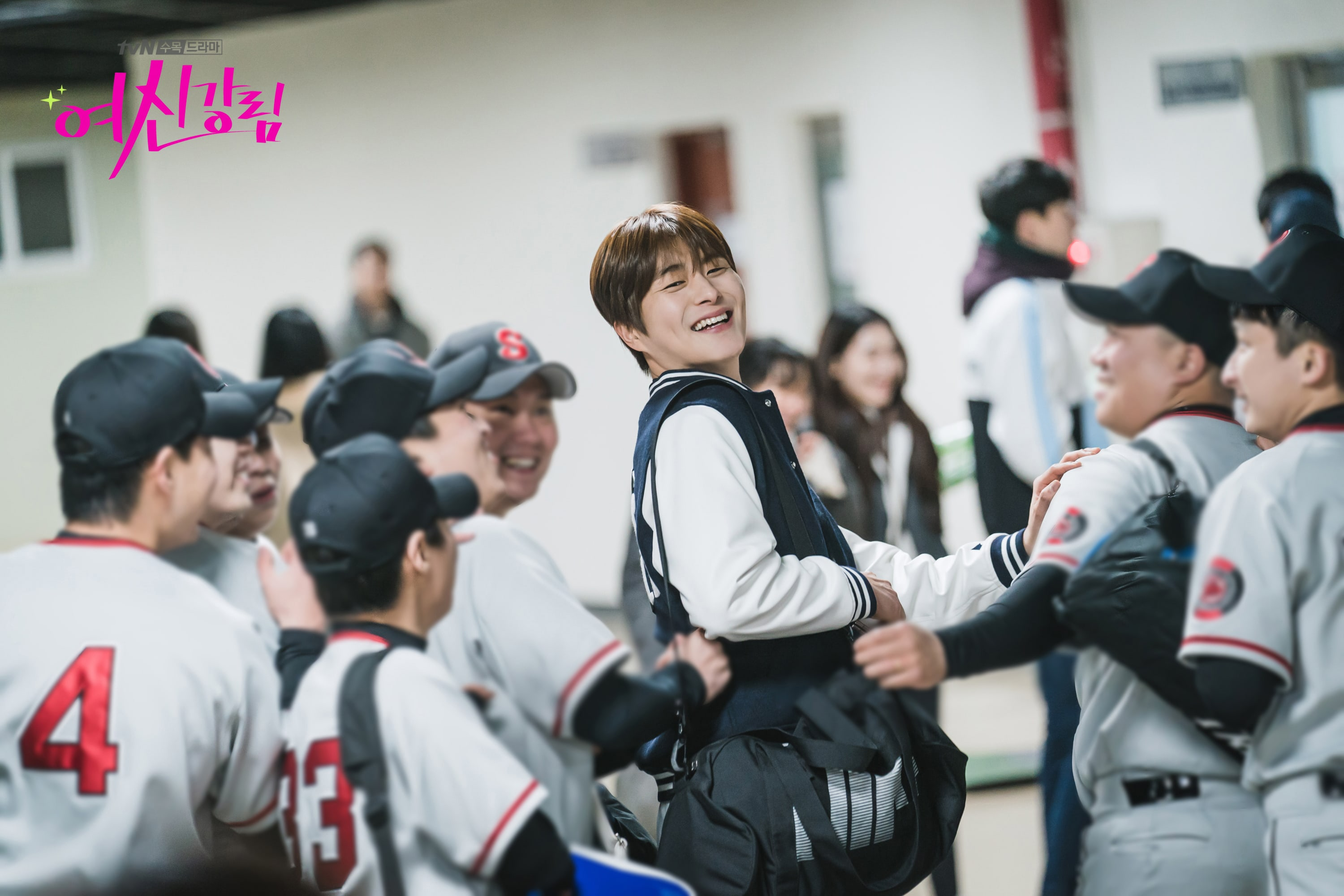 Jung Gun Joo becomes a baseball player