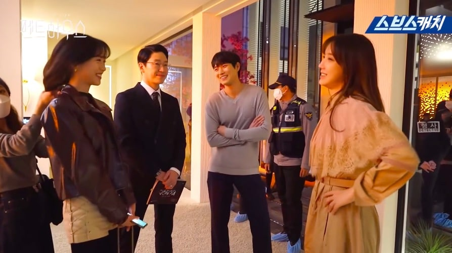 """""""The Penthouse"""": Lee Ji Ah and Eugene pretend to have a shocking reunion"""
