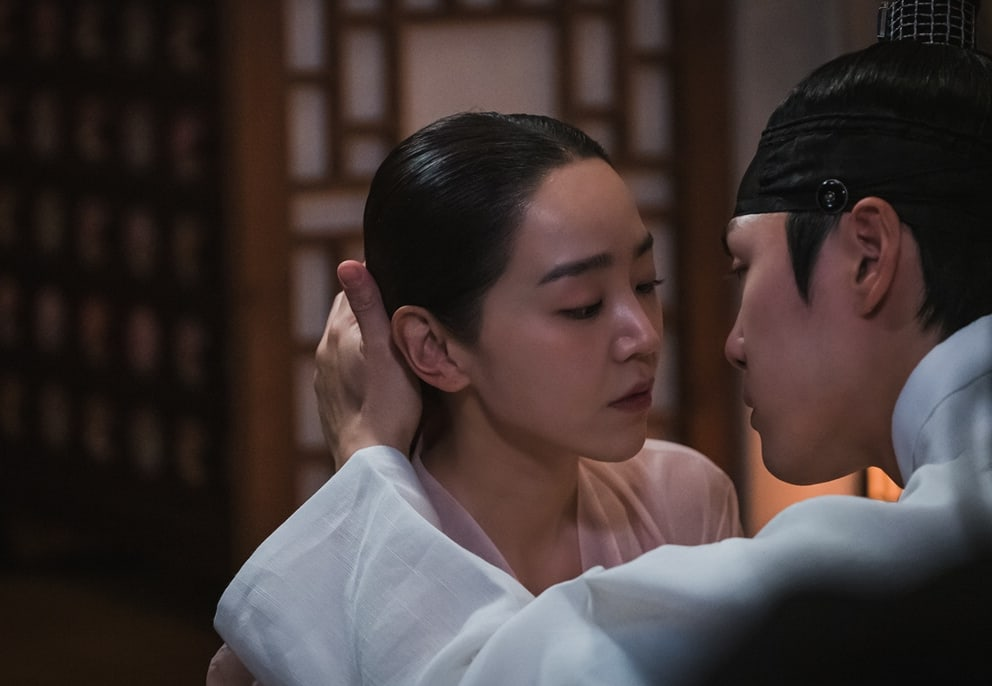 """Mr. Queen"": King Cheoljong relationship with Kim So Yong takes an electrifying turn"