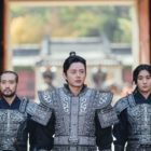 """Upcoming Historical Drama """"River Where The Moon Rises"""" Shares Glimpse Of Lee Ji Hoon As Top Elite General"""