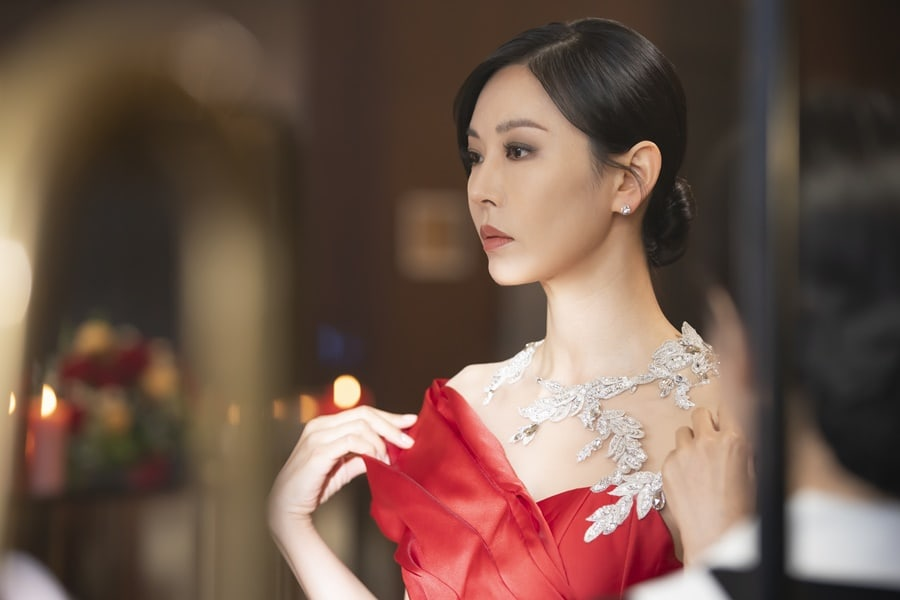 """The Penthouse"": Kim So Yeon returns more glamorous than ever"