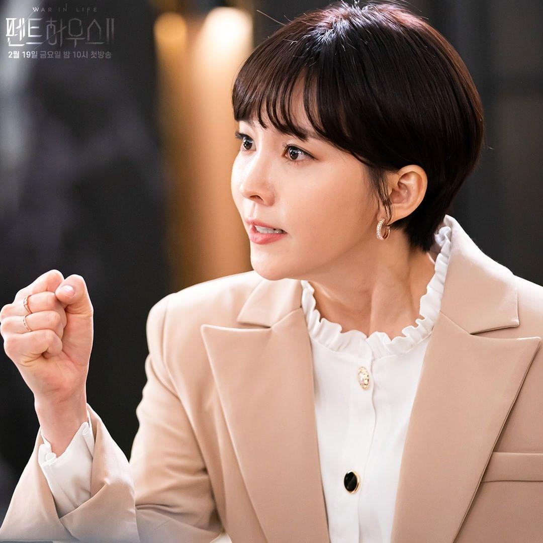 "Shin Eun Kyung And Yoon Joo Hee Are Burning With Fierce Determination In ""The Penthouse"" Season 2 - KpopHit - KPOP HIT"