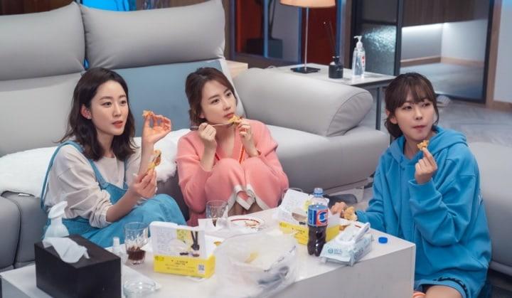 hong eun hee go won hee jeon hye bin revolutionary sisters