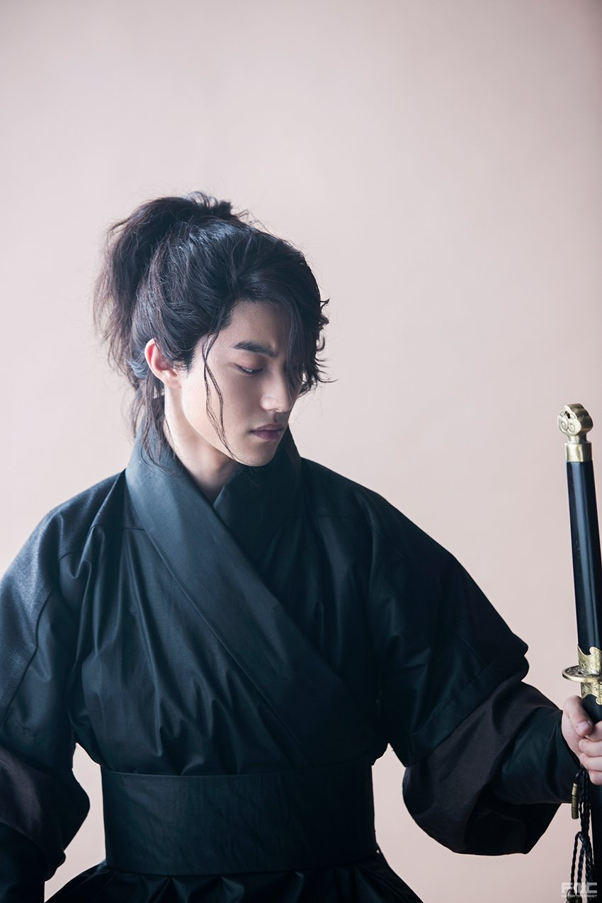 kwak dong yeon2
