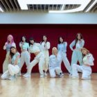 """Watch: TWICE Shares Casual Summer Vibes In Dance Practice Video For """"Alcohol-Free"""""""