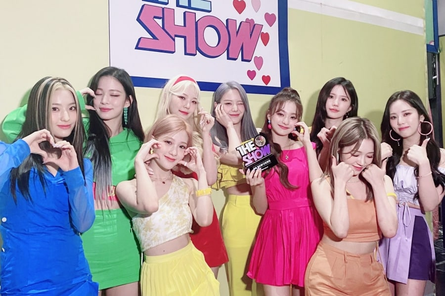 """Watch: fromis_9 Takes Tearful 1st-Ever Win On """"The Show"""" With """"Talk & Talk""""; Performances By Kwon Eun Bi, OMEGA X, And More"""