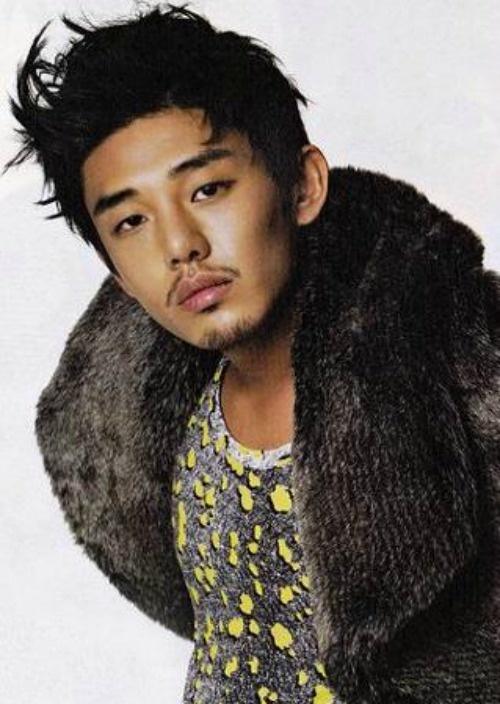 "Yoo Ah In to Return to the Small Screen through New Drama ""Fashion King"""