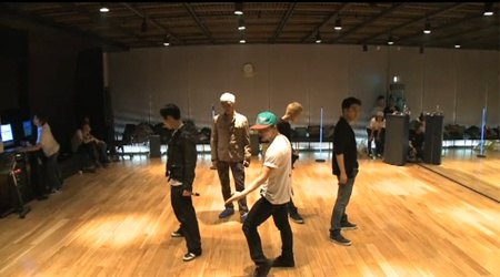 "Big Bang's ""Tonight"" Dance Practice"