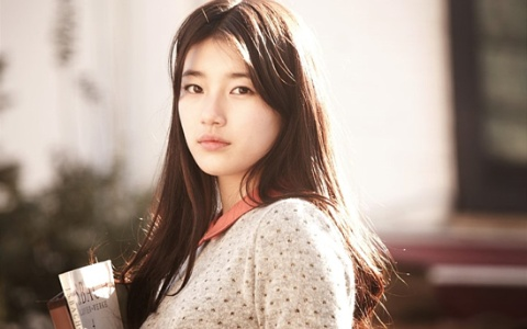 """I Need an Angel"" Reveals BTS Stills of miss A Suzy"