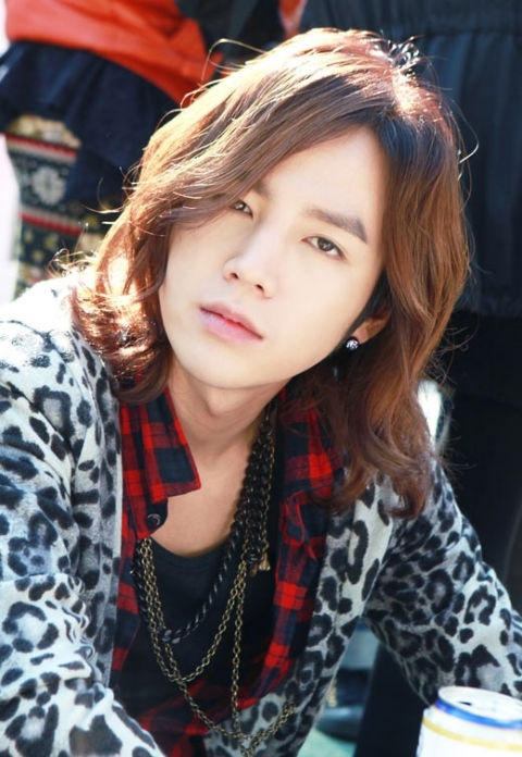 Jang Geun Suk Criticized for Lying about his Height