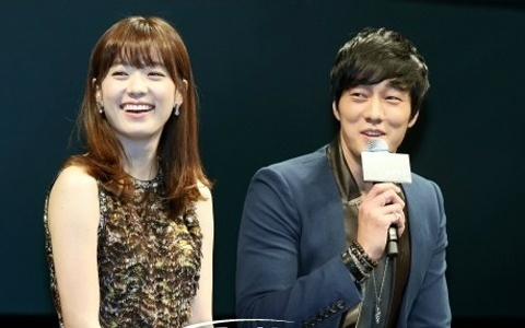 "So Ji Sub declares ""Han Hyo Joo Has No Girlish Charm"""
