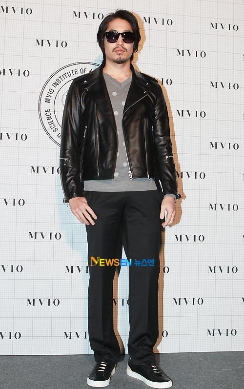 MVIO (Han Sang Hyuk) 2011 F/W Seoul Fashion Week