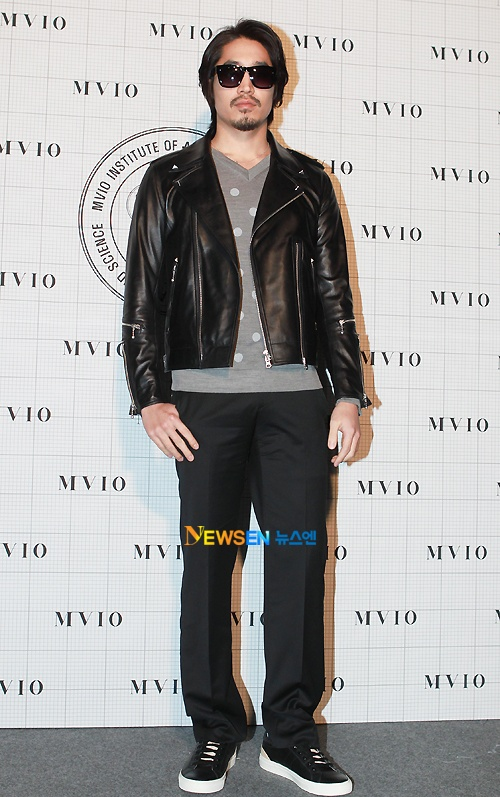 MVIO (Han Sang Hyuk) 2011 F/W Seoul Fashion Week