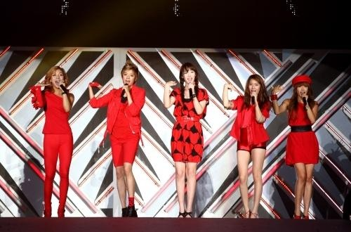 f(x) to Debut in Japan Next Year