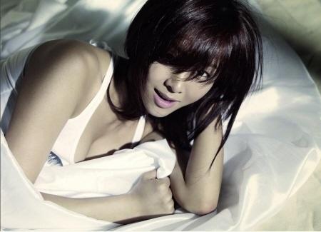 Weekly K-Pop Music Chart 2011 – February Week 4
