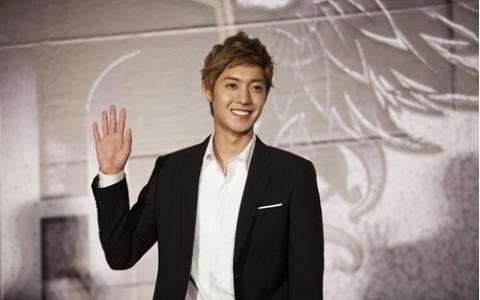 """Kim Hyun Joong Releases MVs for """"Marry Me"""" and """"Marry You"""""""