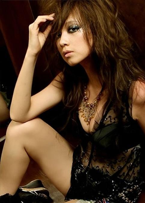 Ayumi and Kara's Goo Hara Are Twins?