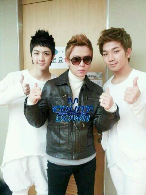 "Mnet ""M! Countdown"" – Jan. 19, 2012"
