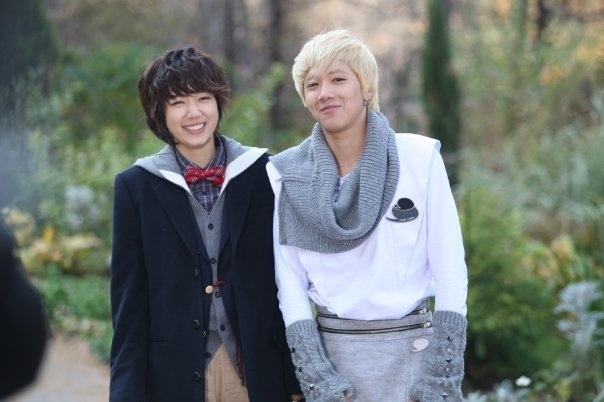 Lee Hong Ki Keeps His Promise to Park Shin Hye