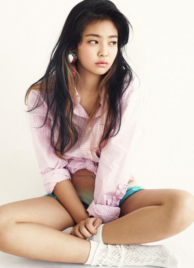 YG Entertainment Reveals Third Girl Group Member?
