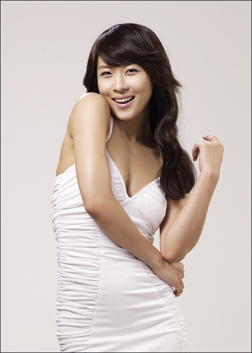Ha Ji Won to Release a Self-Authored Book in 2012
