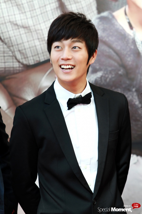 "BEAST Yoon Doo Joon to Cameo in ""I Live in Cheongdam-dong"""