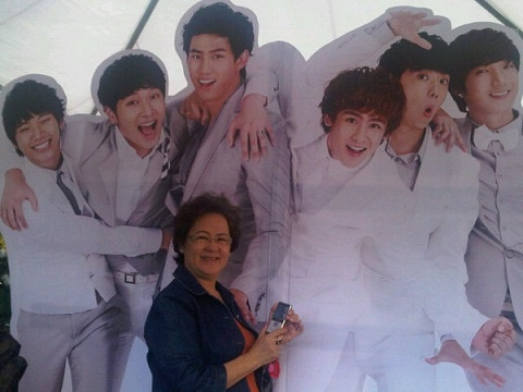 2PM Nichkhun's Mother is a Pharmaceutical Company CEO