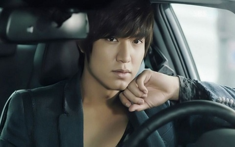 """City Hunter's"" Lee Min Ho Working on Only Two Hours of Sleep"