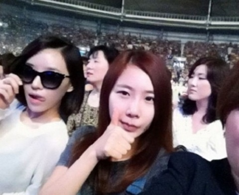 Brown Eyed Girls' Ga-In & Jea Spotted at Lim Jae Bum's Concert!