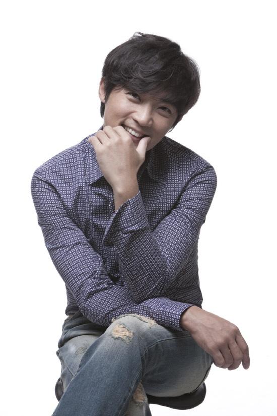 "Actor Ahn Jae Wook To Romance Actress Nam Sang Mi In ""Lights And Shadows"""