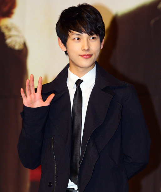 ZE:A's Im Siwan Talks About Acting vs Singing