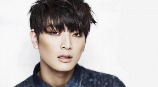 Update on Jinwoon's Comeback Date and Photos of Totaled Car