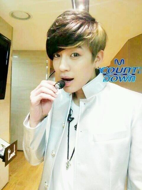 """Mnet """"M! Countdown"""" – Feb. 9, 2012"""