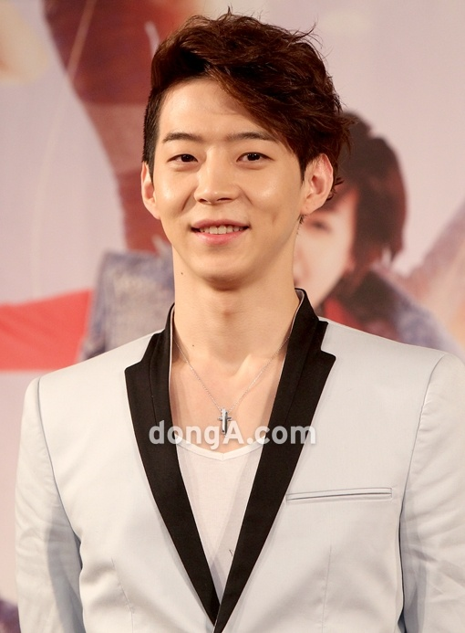 """Park Yoo Chun's Younger Brother: """"It Was Difficult Watching My Brother Having a Hard Time Because of Sasaeng Fans"""""""
