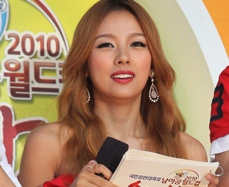 Hyori Removes Songs From Album
