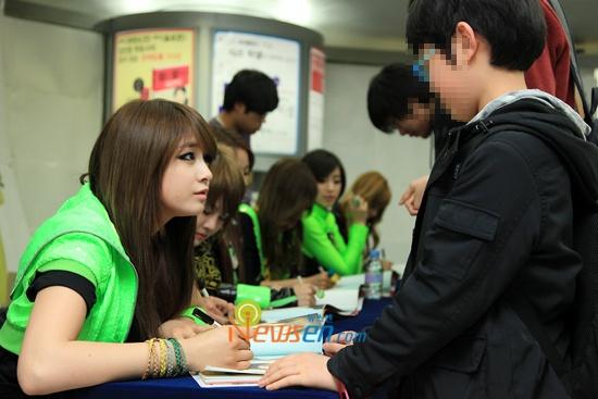 Fan Signing Event 03.14.10 (T-ara)