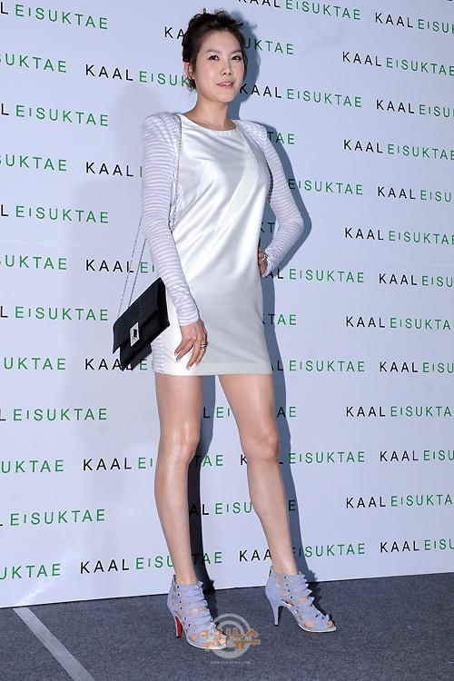 KAAL E.SUKTAE (Lee Suk Tae) 2011 F/W Seoul Fashion Week