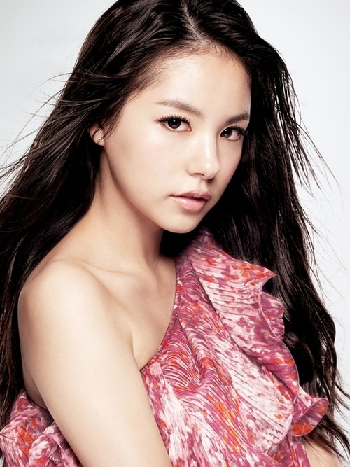 """Min Hyo Rin Positively Considering Role for """"Faith"""" Which Stars """"City Hunter"""" Lee Min Ho"""