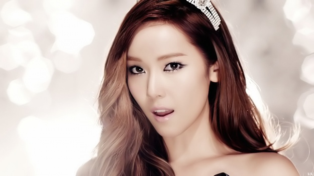 Girls Generation's Jessica Clears Up Plastic Surgery Rumors