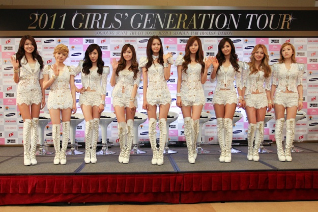 SNSD Holds Press Conference in Singapore