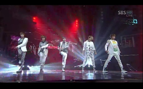 "SHINee Performs ""Sherlock"" on Inkigayo and Wins Triple Crown"