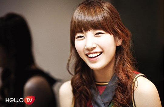 miss A's Suzy Takes a Pretty Photo on the Set of Her Movie
