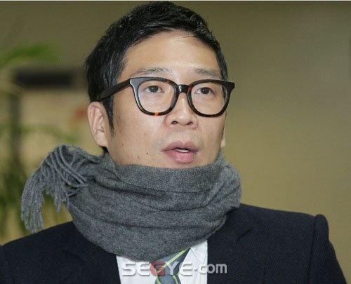 MC Mong Hints at Enlistment